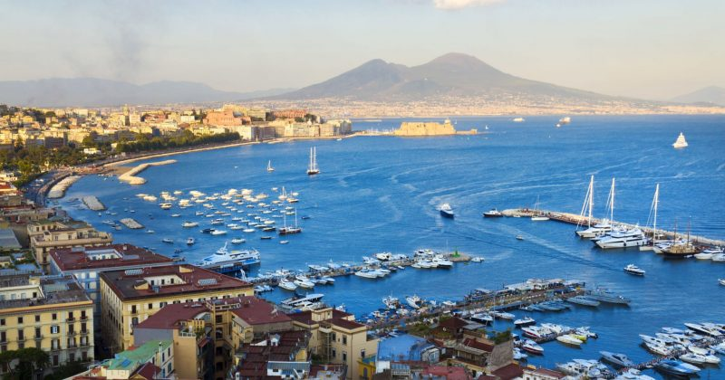 view-Naples-city-and-Street-food-Markets