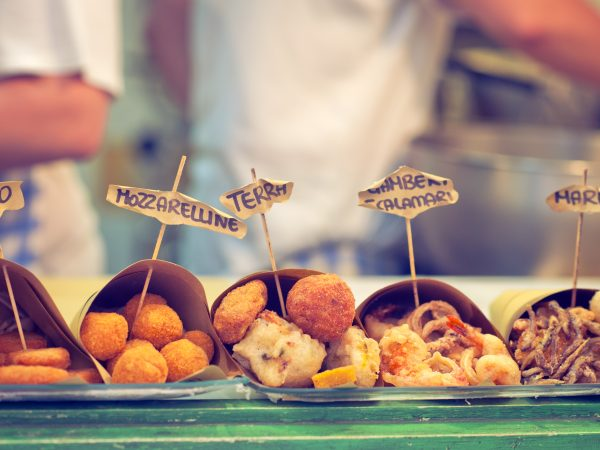 street-food-Naples-city-and-Street-food-Markets