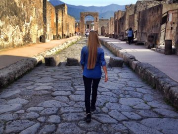 pompeii walking tour only