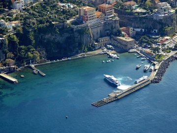 the beauties of the amalfi and sorrento coast